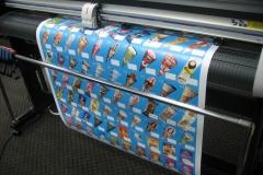 Широкоформатная печать наклеек